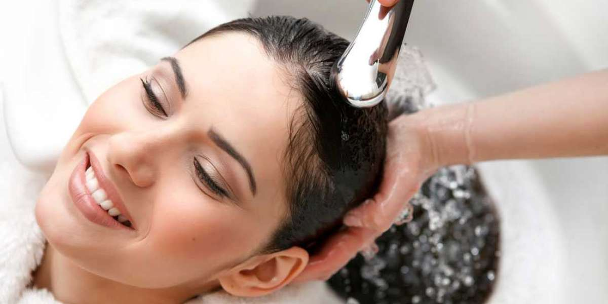 When and How to Use a Cleansing Shampoo on Your Hair?
